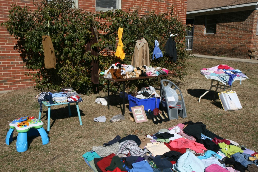 2011-02-12_Yard_sale_on_Green_St_3